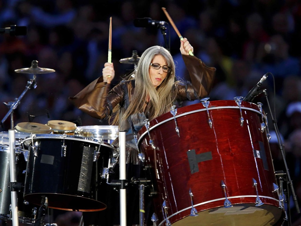 hearing essay by evelyn glennie Hearing essay by evelyn glennie (1993) music represents life a particular piece of music may describe a real, fictional or abstract scene from.